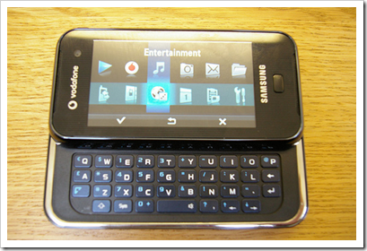 Samsung F700 open keyboard